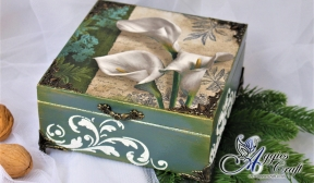 Wooden Box with Lilies