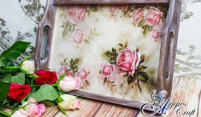 Romantic tray with roses